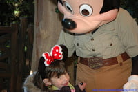 Menina com Mickey Orlando